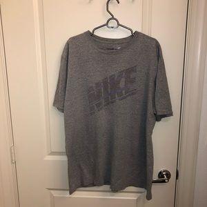 2 Xl Nike T shirt